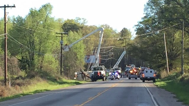 Road blocked after truck overturns on Hwy 29. (FOX Carolina/ 4/7/17)