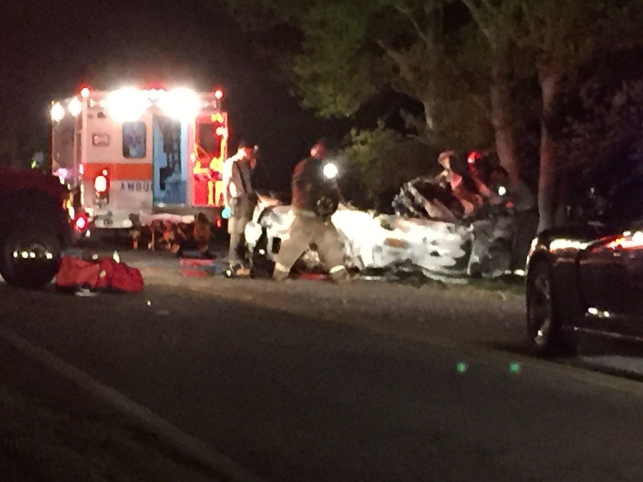 The coroner confirmed a man died after a car caught fire in Anderson County Sunday morning (FOX Carolina: 4/9/2017).