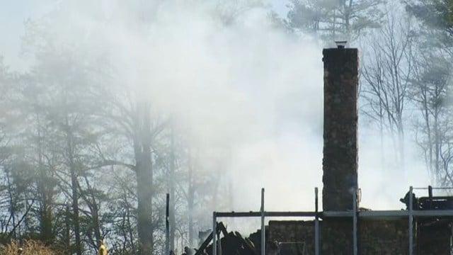 Scene of fire on Pace Bridge Road. (April 9, 2017 FOX Carolina)