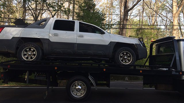 Vehicle being towed away from scene of Greenville Co. crash (FOX Carolina/4 9/17)
