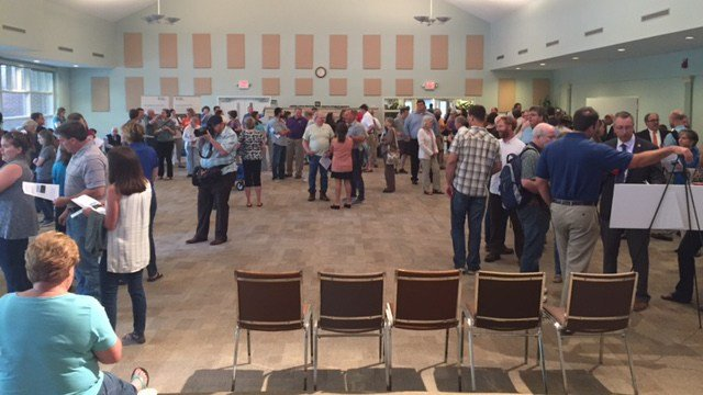 The community gathered at an open forum to discuss the new power plant. (April 10, 2017 FOX Carolina)