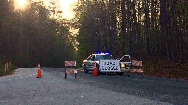 Road closed as crews battle Pickens County brush fire on East Preston McDaniel Road. (FOX Carolina/ 4/13/17)