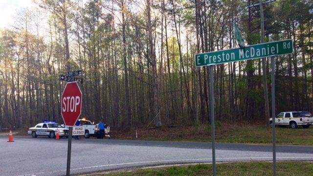 Road closed as crews battle Pickens County brush fire on East Preston McDaniel Road. (FOX Carolina/ 4/13/17)
