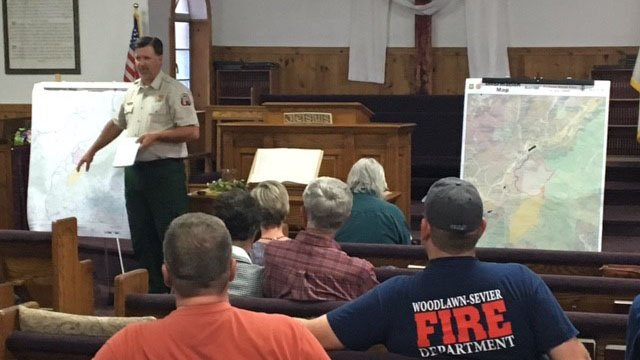 First responders and residents discuss Dobson Knob Fire in community meeting. (FOX Carolina/ 4/13/17)
