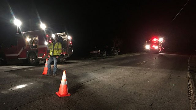 Crews work to clean up cooking oil spill along Anderson Co. roadway. (FOX Carolina/ 4/13/17)