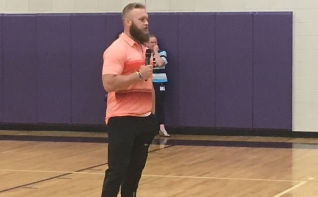 Ben Boulware speaks to students at RC Edwards (April 18, 2017)