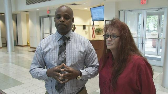 Jason Mendez' mother and Bruce Wilson speak (Apr. 18, 2017/FOX Carolina)