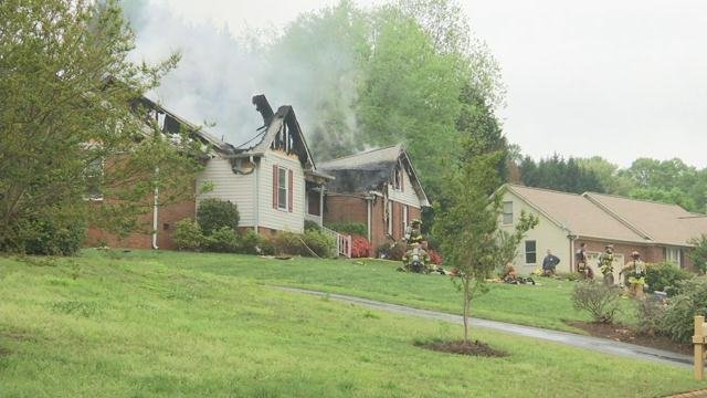 Crews on scene of Spartanburg house fire. (Apr. 19, 2017/FOX Carolina)