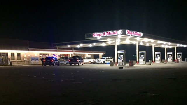 Scene of armed robbery. (FOX Carolina /4/20/17)