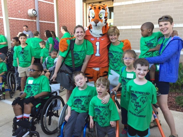 The Clemson Tiger with Special Olympics athletes (Apr. 21, 2017/FOX Carolina)