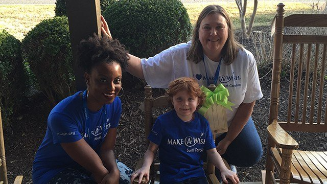 Anna Leigh with Make-A-Wish volunteers. (Source: Make-A-Wish)