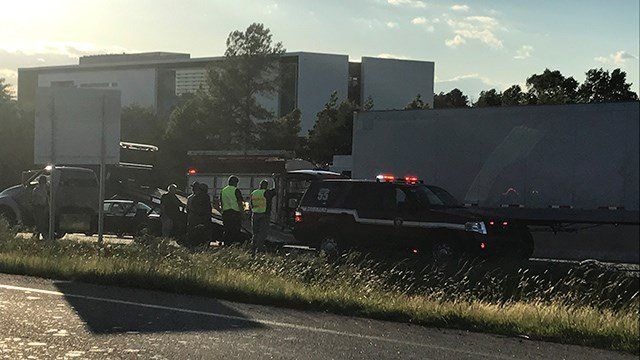 Scene of I-85 crash at mile marker 60 NB. (FOX Carolina/ 5/25/17)