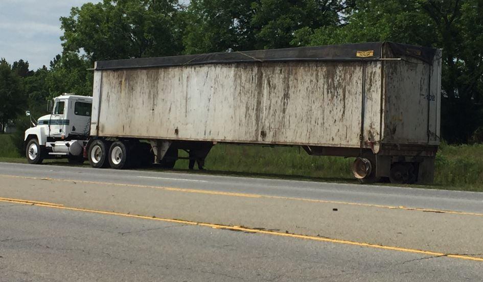 Scene of the crash on US 25 (FOX Carolina/ May 31, 2017)