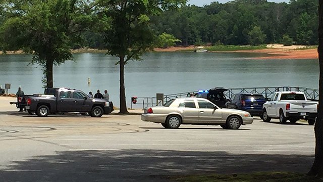 DNR investigators at the Singing Pines boat ramp (FOX Carolina/ June 1, 2017)