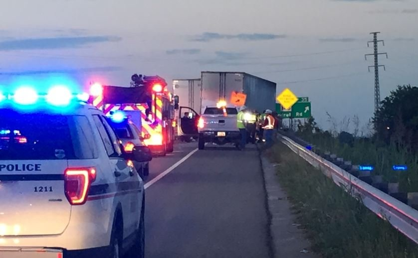 2 die in tractor-trailer-car crash in South Carolina