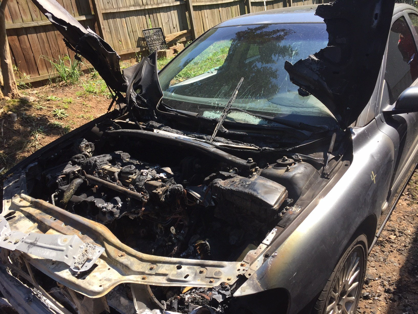 The car that caught fire (June 2, 2017/FOX Carolina)