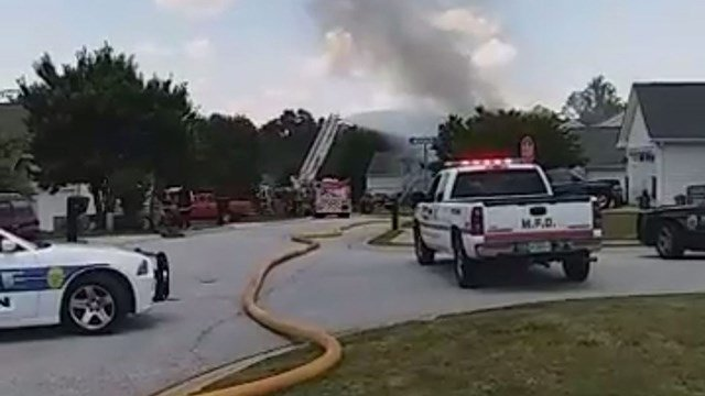 Scene of Mauldin house fire (Source: iWitness)