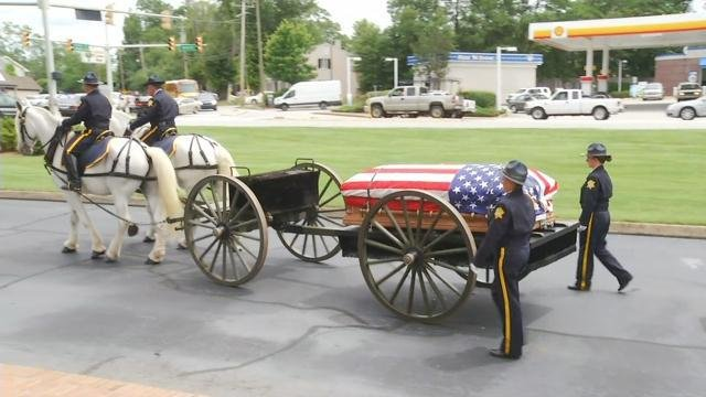Caisson carries Hodges' casket and leads the procession to the Civic Center (FOX Carolina/ June 6, 2017)