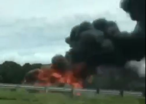 Car fire sends huge plume of smoke over I-85 (Courtesy: Emma Scott Webb)