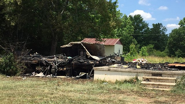 Belton mobile home destroyed in fire (June 7, 2017/FOX Carolina)