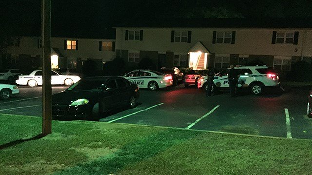 Police on scene of incident at Spartanburg Co. apartments (FOX Carolina/ 6/12/17)