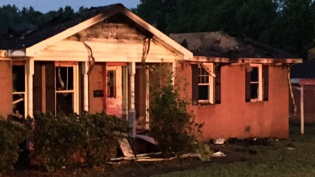 Scene of Honea Path house fire. (FOX Carolina/ 6/14/17)