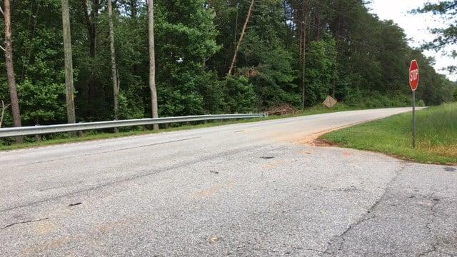 Scene of Pickens crash (FOX Carolina/ 6/18/17)