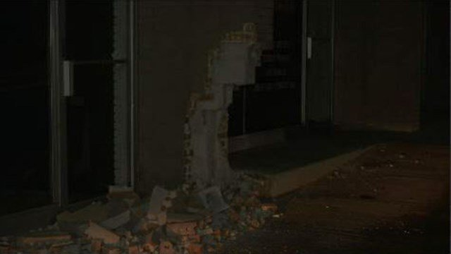 Vehicle crashes into building on Rutherford St (FOX Carolina/ 6/18/17)