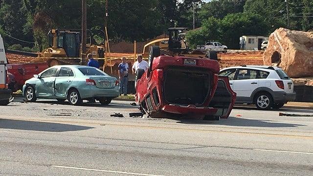 One taken to hospital after crash in Greenville (FOX Carolina/ 6/28/17)
