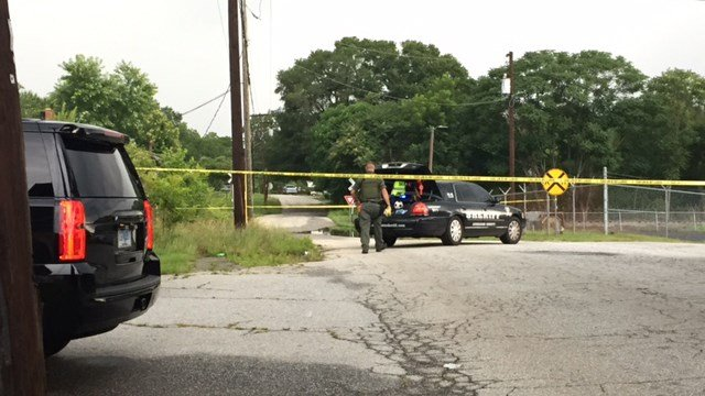 Scene of death investigation on Richmond Avenue. (7/4/17 FOX Carolina)
