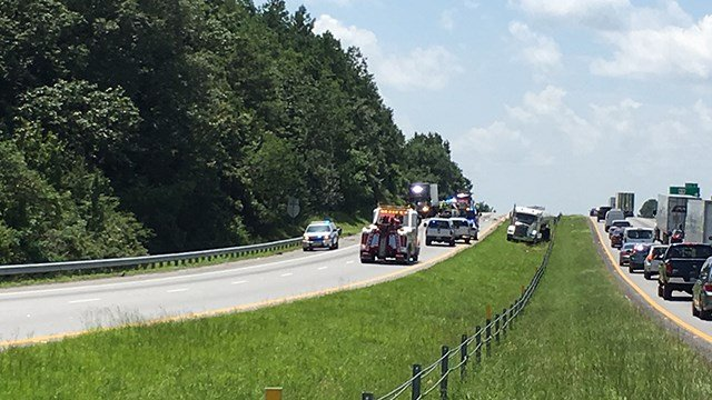 Crews investigate crash on I-85 in Oconee County (July 5, 2017/FOX Carolina)