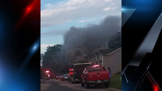 Crews battle fire at Greenville Co. townhomes (Source: iWitness)