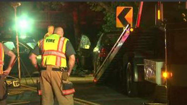 Vehicle being towed away from fatal Spartanburg Co. crash (FOX Carolina/ 7/14/17)