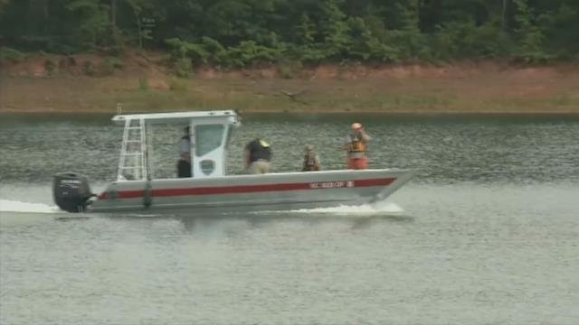 Crews search Lake Hartwell (FOX Carolina/ July 17, 2017)