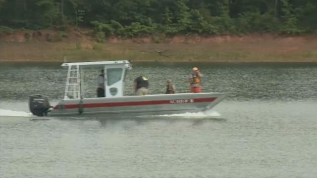 Crews search Lake Hartwell (FOX Carolina/ July 17, 2017)