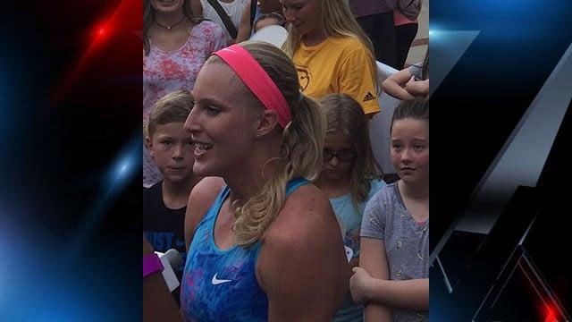 Greenville native Sandi Morris wins Liberty Bridge Jump Off (FOX Carolina/ 7/19/17)