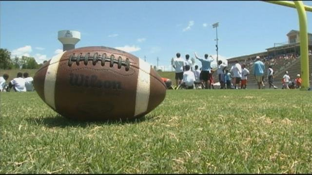 NFL stars return to Daniel High to host youth football camp