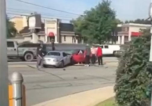 Chase ends in crash (Source:Armani Payton)