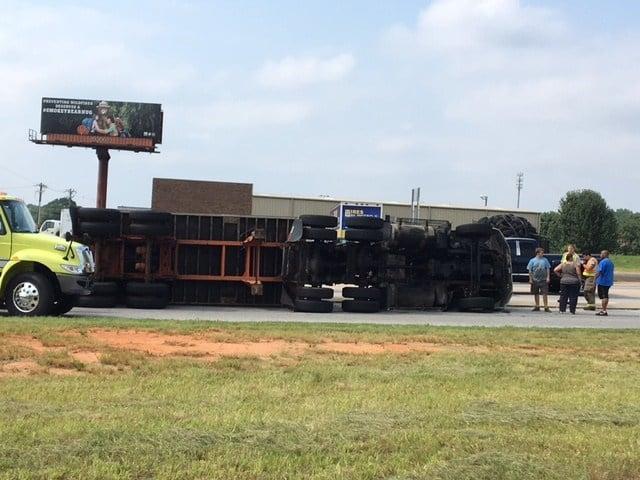 Box truck rollover (July 26, 2017/FOX Carolina)