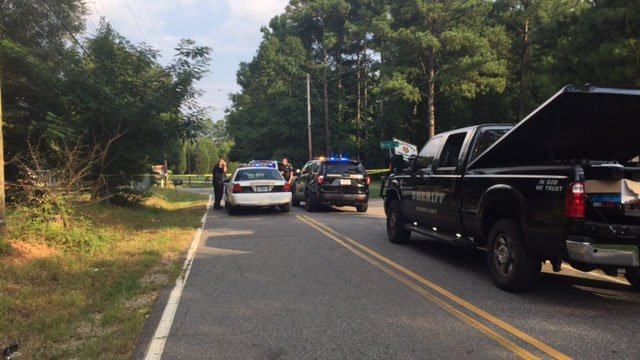 Scene of shooting investigation in Anderson Co. (FOX Carolina/ 7/26/17)