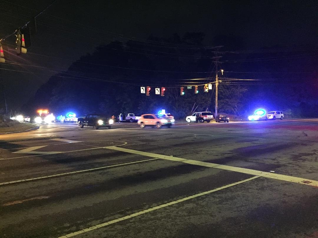 Troopers respond to wreck in Greenville Co. (Fox Carolina/ July 29, 2017)