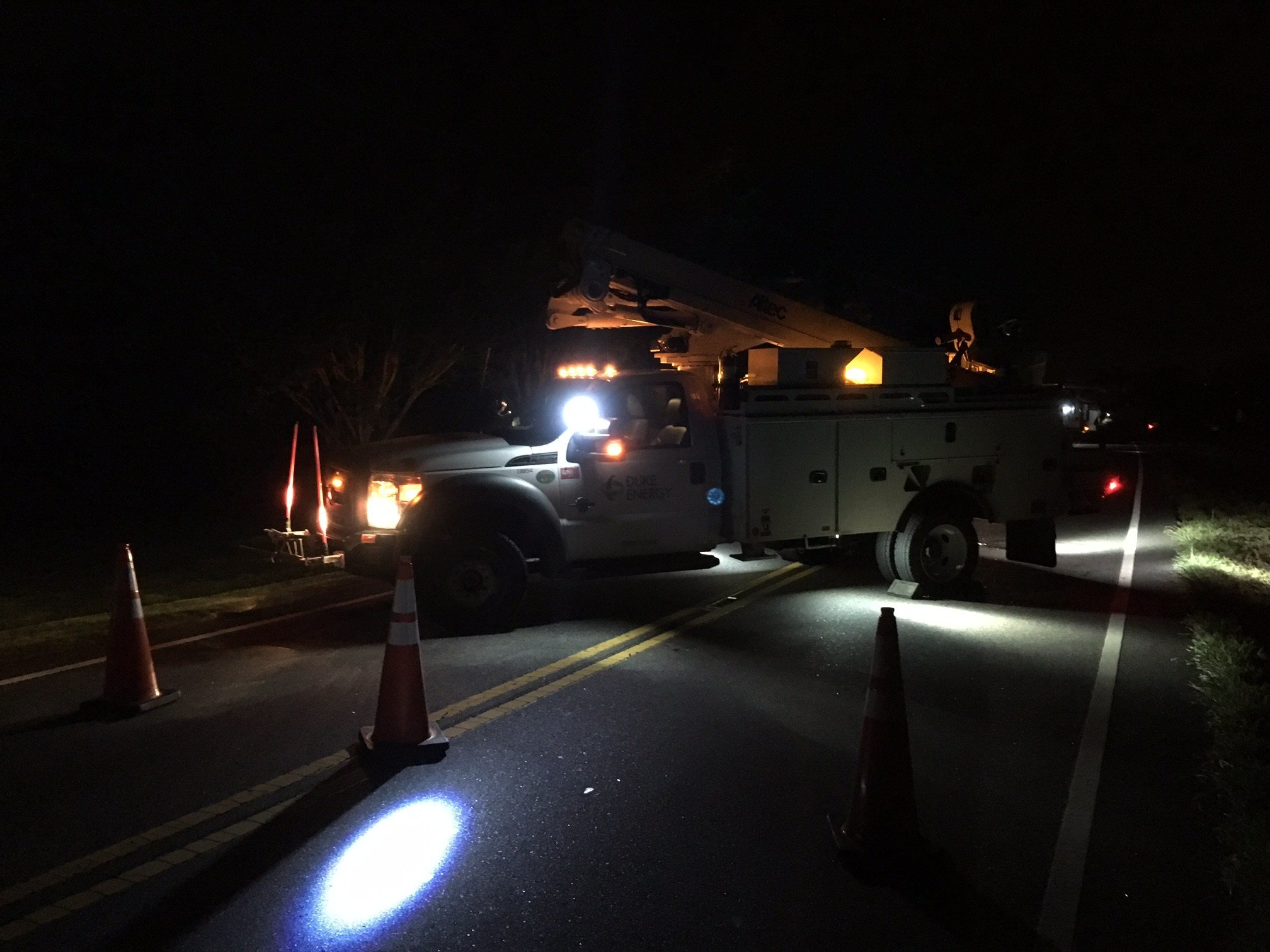 Duke Energy responds to power outages following wreck (FOX Carolina/ July 31, 2017)