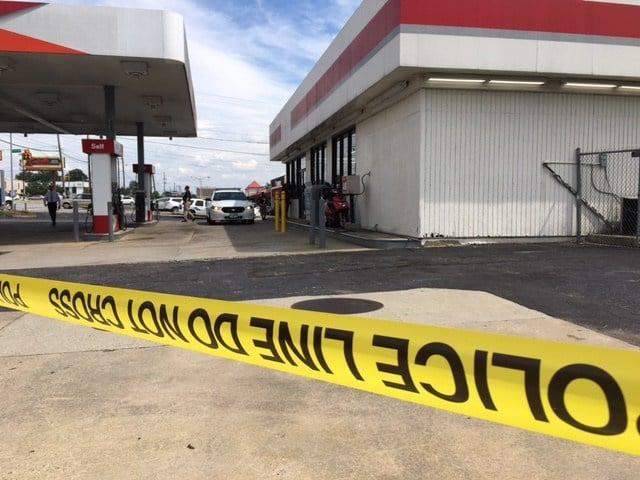 Police on scene of shooting in Greenville (Aug. 3, 2017/FOX Carolina)