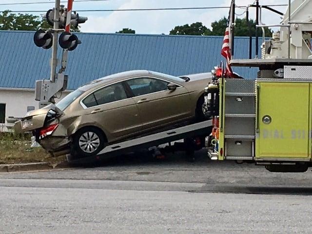 Car towed from train crash scene (Aug. 3, 2017/FOX Carolina)