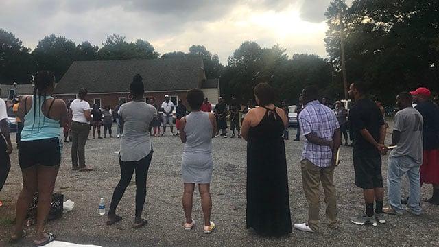 VIgil held in honor of 2 men killed in Spartanburg Co. grocery store shooting (FOX Carolina/ 8/10/17)