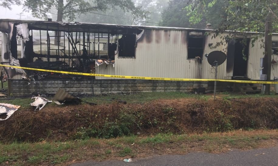 The coroner said one man died in a fire at this home on Berry Lane (FOX Carolina/ August 11, 2017)