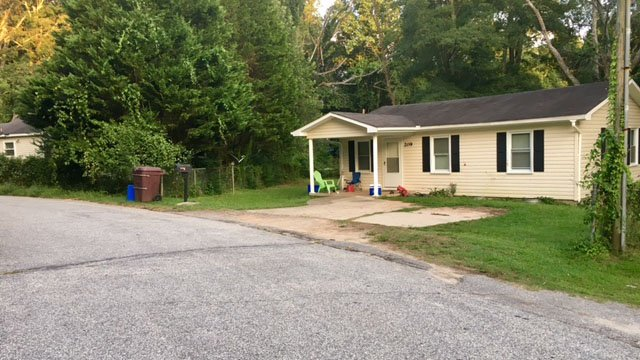Scene of stabbing in Anderson Co. (FOX Carolina/ 8/13/17)