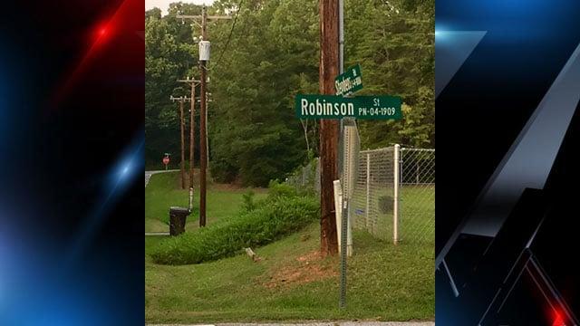 Scene of stabbing in Anderson Co. (FOX Carolina/ 8/13/17)