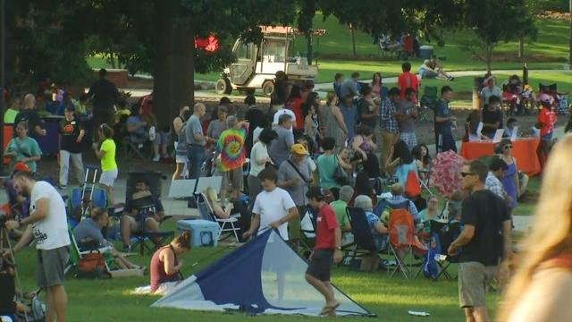 Crowd gathers for eclipse party at Clemson University (Aug. 21, 2017/FOX Carolina)