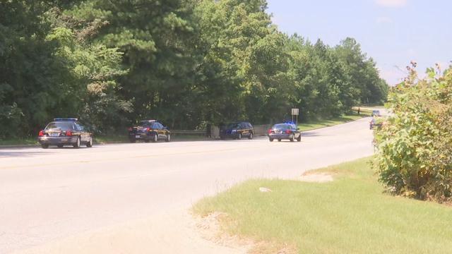 Manhunt near Mauldin Road (Aug. 22, 2017/FOX Carolina)